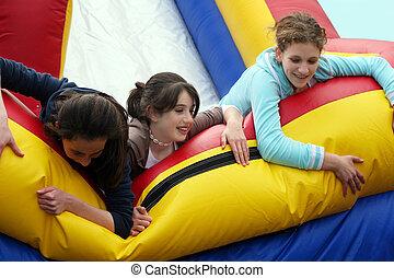 meninas, tendo divertimento