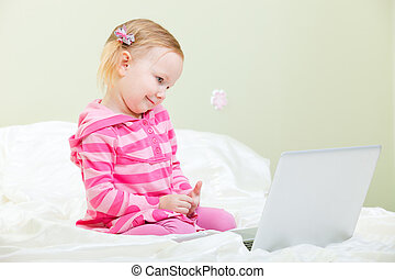 menininha, com, laptop