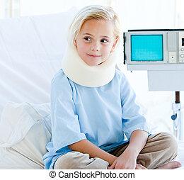 menininha, com, um, escora pescoço, sentando, ligado, um, cama hospital