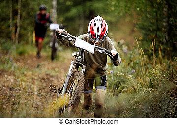 menino adolescente, atleta, mountainbike