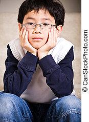 menino, asiático, triste