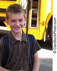 menino, autocarro escolar