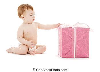 menino bebê, com, presente grande, caixa