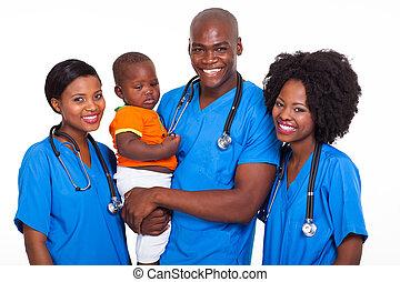 menino bebê, grupo, pediatras, africano