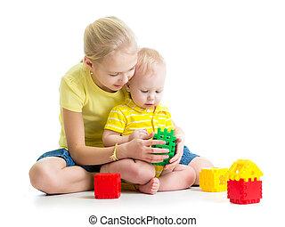 menino bebê, irmã, jogando