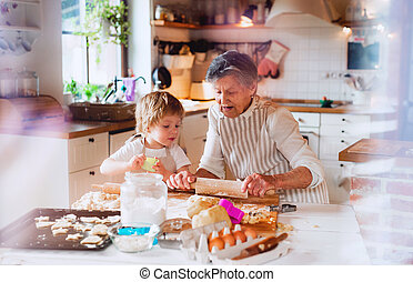 menino, bolos, vó, pequeno, fazer, sênior, toddler, home.