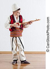 menino, cadeia, jovem, tradicional, instrumento, tocando