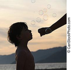 menino, com, bolhas