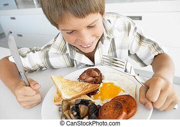 menino, comer, insalubre, jovem, pequeno almoço, fritado