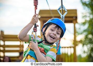 menino, conceito, atividades, tendo, jovem, infancia, divertimento, outdoors., tocando, felicidade, feliz