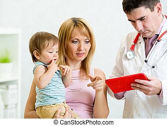 menino, doutor, hospitalar, mãe, exame, mãos, tendo, criança