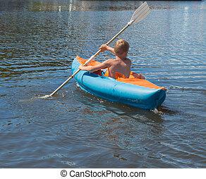 menino, em, canoa
