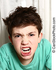 menino, em, raiva, raiva, emocional, closeup, retrato