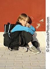 menino, escola, só, intimidou, criança triste, estudante, criança, ou