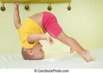 menino, exercícios, toddler
