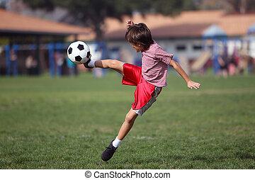 menino, futebol, parque, tocando
