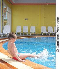 menino, jovem, piscina