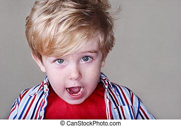 menino, jovem, surpreendido