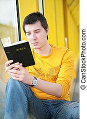menino, lê, bíblia, asiático