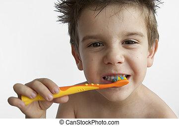 menino, lavando, dentes