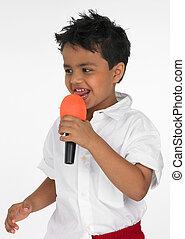 menino, microfone, seu, cantando