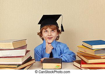 menino, pequeno, antigas, pensativo, acadêmico, livros, chapéu