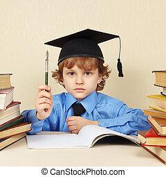 menino, pequeno, antigas, raridade, acadêmico, caneta, livros, sério, chapéu