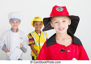 menino, pequeno, bombeiro