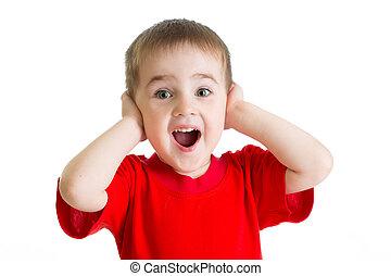 menino, pequeno, isolado, tshirt, vermelho, retrato, surpreendido