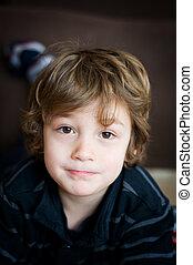 menino, pequeno, marrom, olhos grandes, adorável