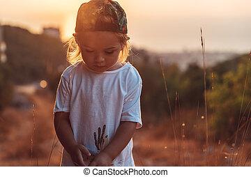 menino, pequeno, passeio, cute