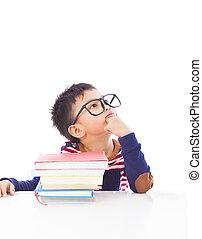 menino, pequeno, pensando, preparar, sonhar, durante, ou, dever casa
