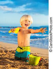 menino, praia, jovem, tocando