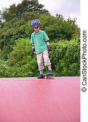 menino, rampa skateboard