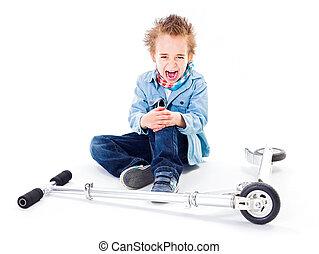 menino, scooter, ferido, perna