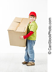 menino, segurando, grande, caixa papelão, caixa