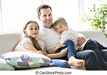 menino, seu, sofá, pai, anos, nove, lar, menina, 5, criança