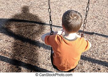 menino, swingset, defesa, valentão, assustado
