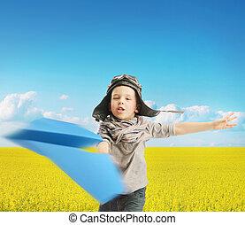menino, tocando, a, avião papel