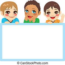 meninos bebê, três