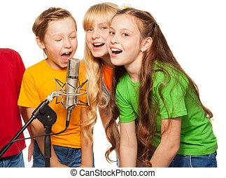 meninos, meninas, cantando