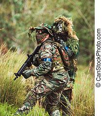 mens, 中に, 軍のユニフォーム, ∥で∥, 武器