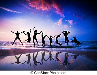 mensen, en, dog, springt, op, de, strand., geluk