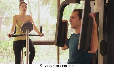 mensen, gym, man, vrouw, sportende