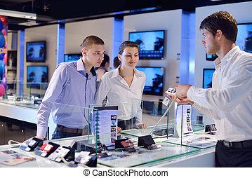 mensen, kopen, in, consument elektronica, winkel