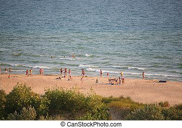 mensen, op, strand
