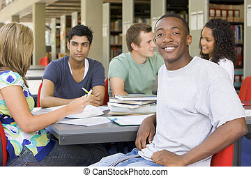 mensen, studerend , bibliotheek, vijf, focus), (selective