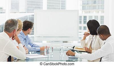 mensen, whiteboard, zakelijk, het kijken, leeg