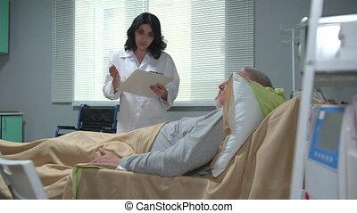 mensonge, docteur, documents, lit hôpital, quelque chose, expliquer, homme