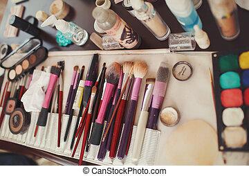 mensonge, eye-shadows, make-u, brosses, entre, table, outils